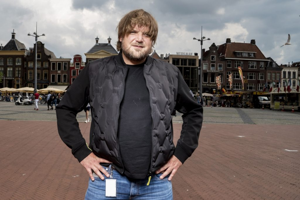Huis van Nederlandse journalist bekogeld met molotovcocktails