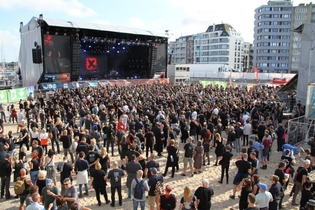 Kleppers as Ronan Keating and The Jacksons during the four-day W Festival at the Klein Strand in Ostend
