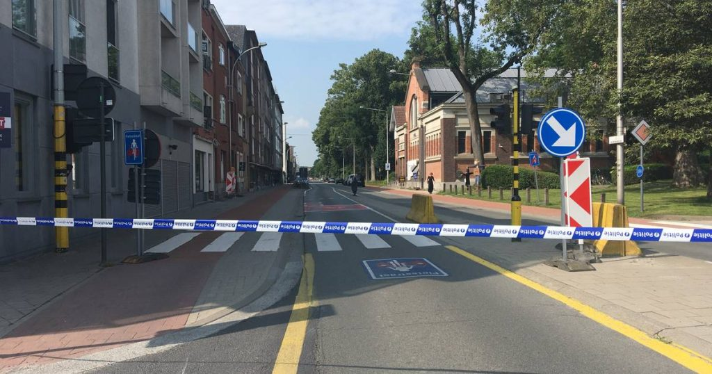 A detainee escapes from Ghent prison: cordon off part of the neighbourhood, as well as search of other neighbourhoods    Ghent