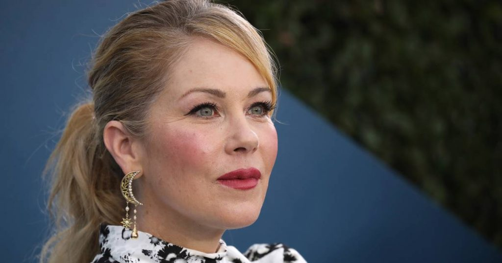 Actress Christina Applegate Suffers From MS: 'Tough Journey, But I Keep It Up'    Famous People