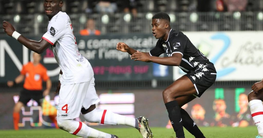 Charleroi takes advantage of Antwerp goalkeeper Botiz's wrong assessment and keeps a point at home: 1-1 |  Jupiler Pro League
