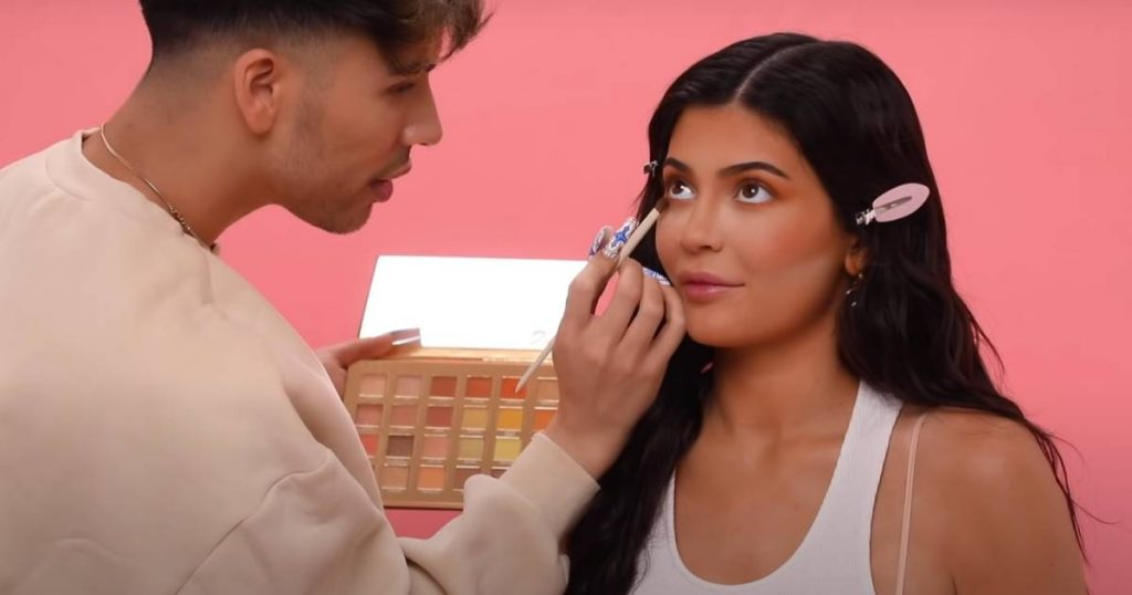 Kylie Jenner needs 3.5 hours of makeup: 'worth every second'    Famous People