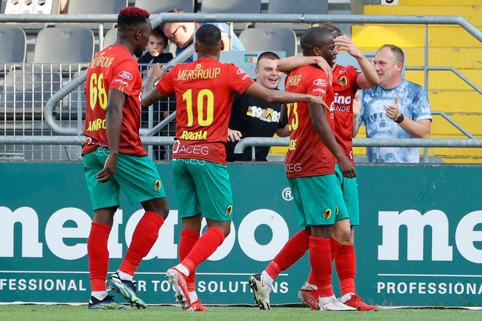 Ostend celebrates 3-0 Amade.