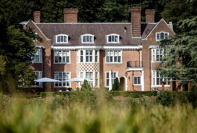 Negotiators spent two days at the estate discussing the formation of a new government.