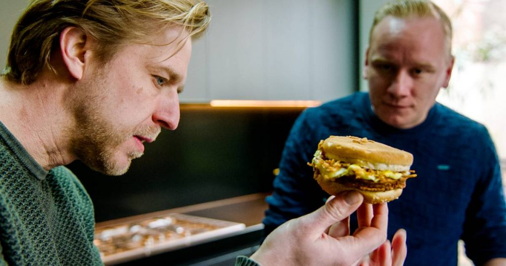 A visit to the Bicky Factory in Bocholt: what exactly is this burger?  |  TV