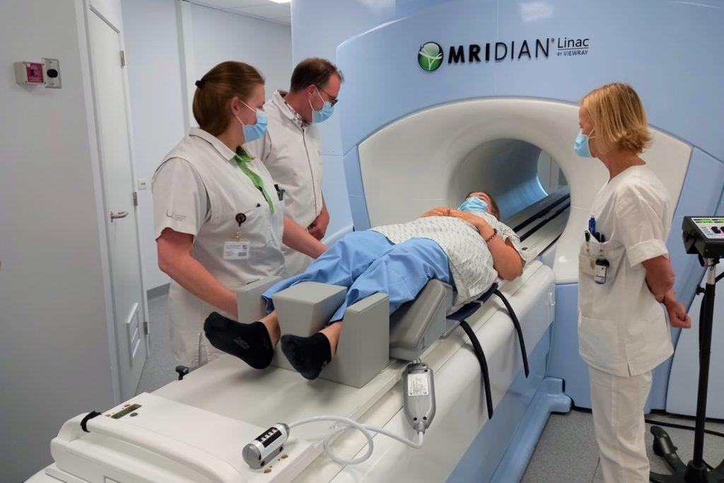 Primeur voor België: kankerbehandeling in vijf dagen voor patiënten met prostaat- of darmkanker