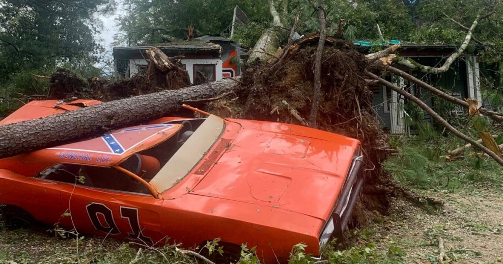 'General Lee' by the Dukes of Hazzard protagonist was badly damaged by the hurricane |  Leader