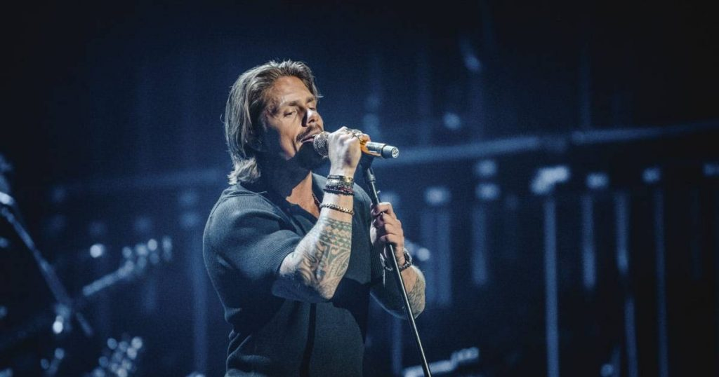 """Goosebumps with André Hazes and the ambiance of Bart Peeters: These are the cool covers from the first """"Best of Me"""" 