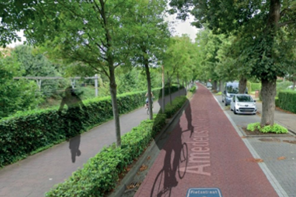 Amadeus Stockmanslei became a bike street during a pilot project (Mortsel)