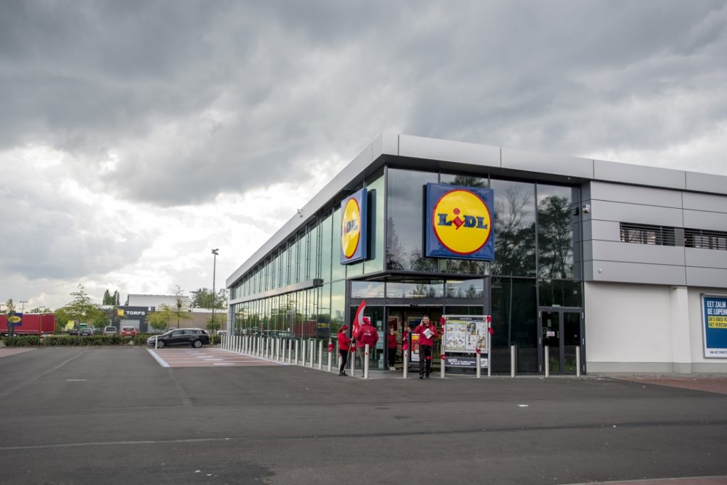 More than 100 stores in Lidl are closed due to severe weather strike