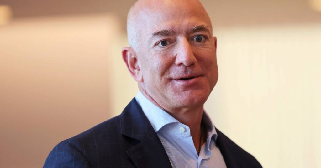 Investigation into 'insecurity' at space company Bezos    Science