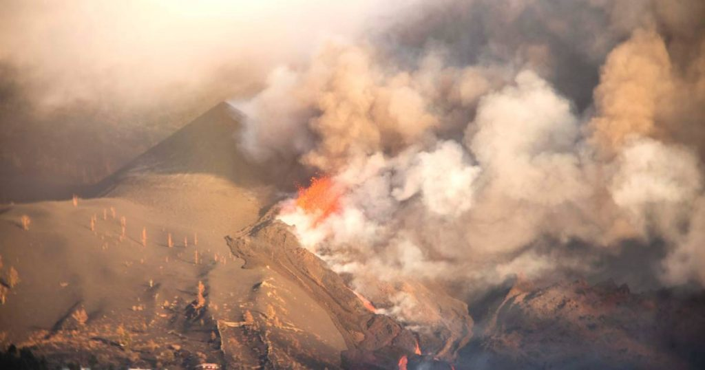 New opening at La Palma volcano and thus new lava flow |  Instagram news VTM